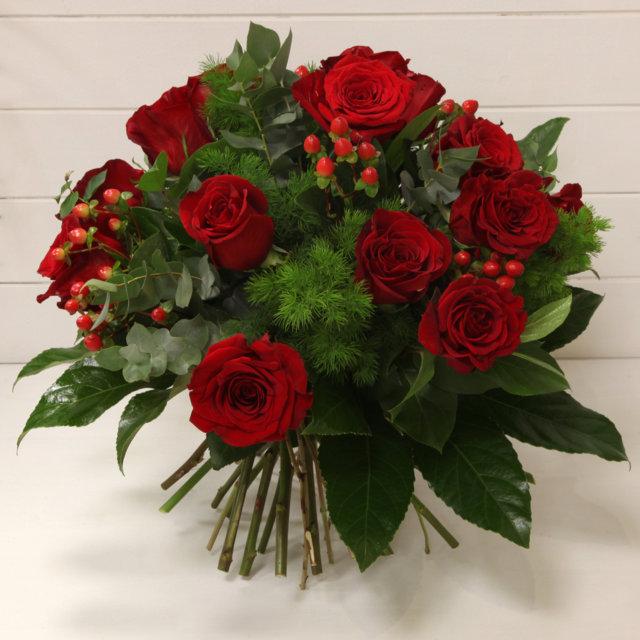 Mazzo di 100 rose rosse yb58 regardsdefemmes for Costruire un mazzo di portico